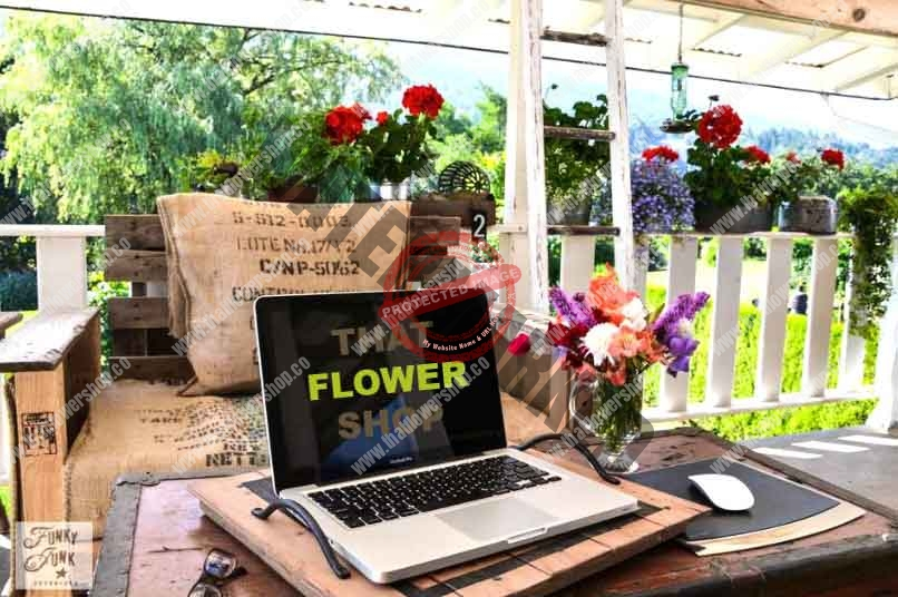 How to Use Fresh Flowers in Office Settings