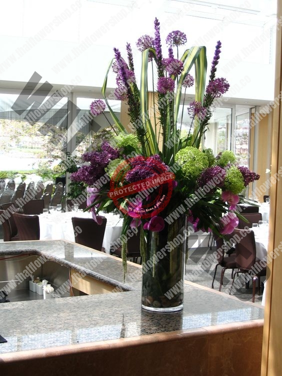Weekly Flower Delivery for hotel office lobby