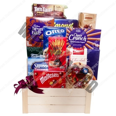 CH-05 HAPPINESS Chocolate basket