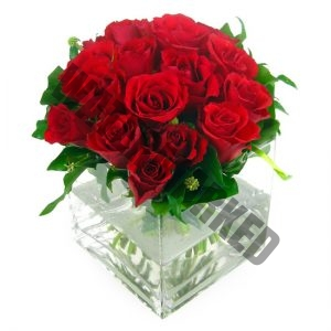 red roses table flowers